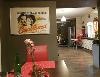 Widoczek na wnętrze restauracji Casablanka w Lądku Zdrój