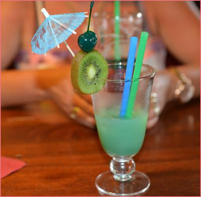 Ciekawy tropikalny super drink