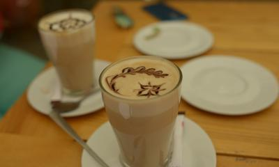 Kawa w kawiarni Cafe Toch