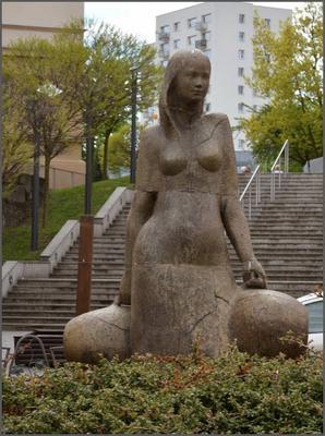 Pomnik Winiarki w Zielonej Górze