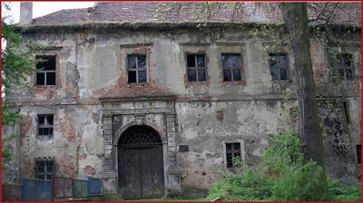 Zdjęcie bocznej ściany Zamku w Głógówku
